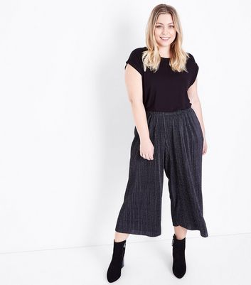 Curves Black Spot Print Cropped Plisse Trousers