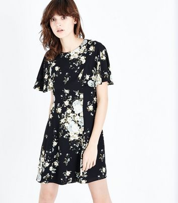 Black Floral Flare Sleeve Swing Dress