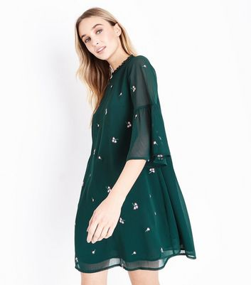 Dark Green Floral Embroidered Bell Sleeve Dress