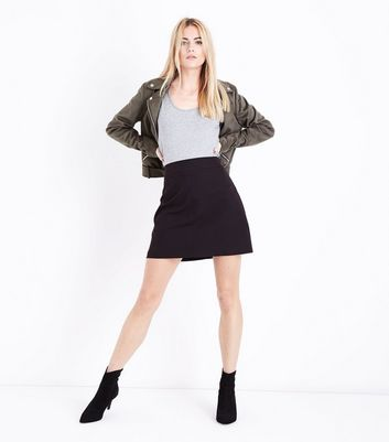 Black Ribbed Waist A-Line Mini Skirt