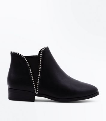 Wide Fit Black Stud Trim Chelsea Boots