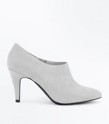 Wide Fit Grey Suedette Pointed Shoe Boots