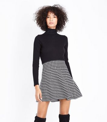 Apricot Black Houndstooth Knit Mini Skirt
