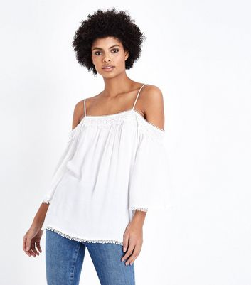 Tall – Weißes Cold-Shoulder-Top mit Häkelrand