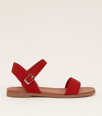 Wide Fit   Sandales Plates En Suédine Rouge by New Look