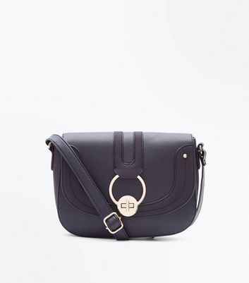 Black Circle Lock Shoulder Back