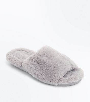Grey Faux Fur Thick Sole Slippers