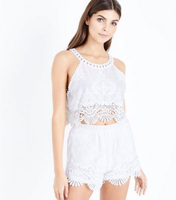 Cameo Rose White Lace Crochet Trim Shorts