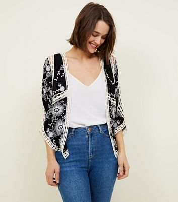 Black Floral Embroidered Crochet Trim Kimono