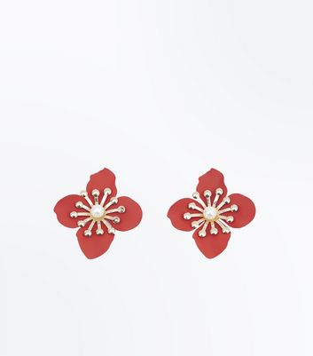 Red Pearl Flower Stud Earrings