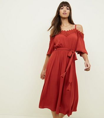Dark Red Crochet Trim Cold Shoulder Midi Dress