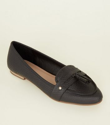 Black Faux Snakeskin Pointed Tassel Penny Loafers