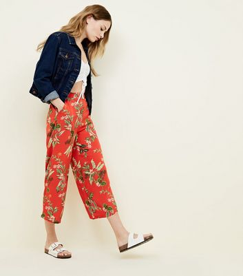 Red Tropical Cropped Trousers
