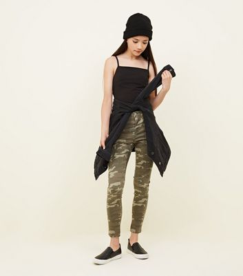Teenager – Graue Skinny Jeans mit Camouflage-Muster