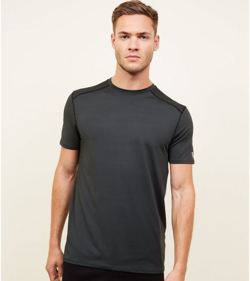 New Look - t-shirt mit stretch-anteil und sportivem flair - 1