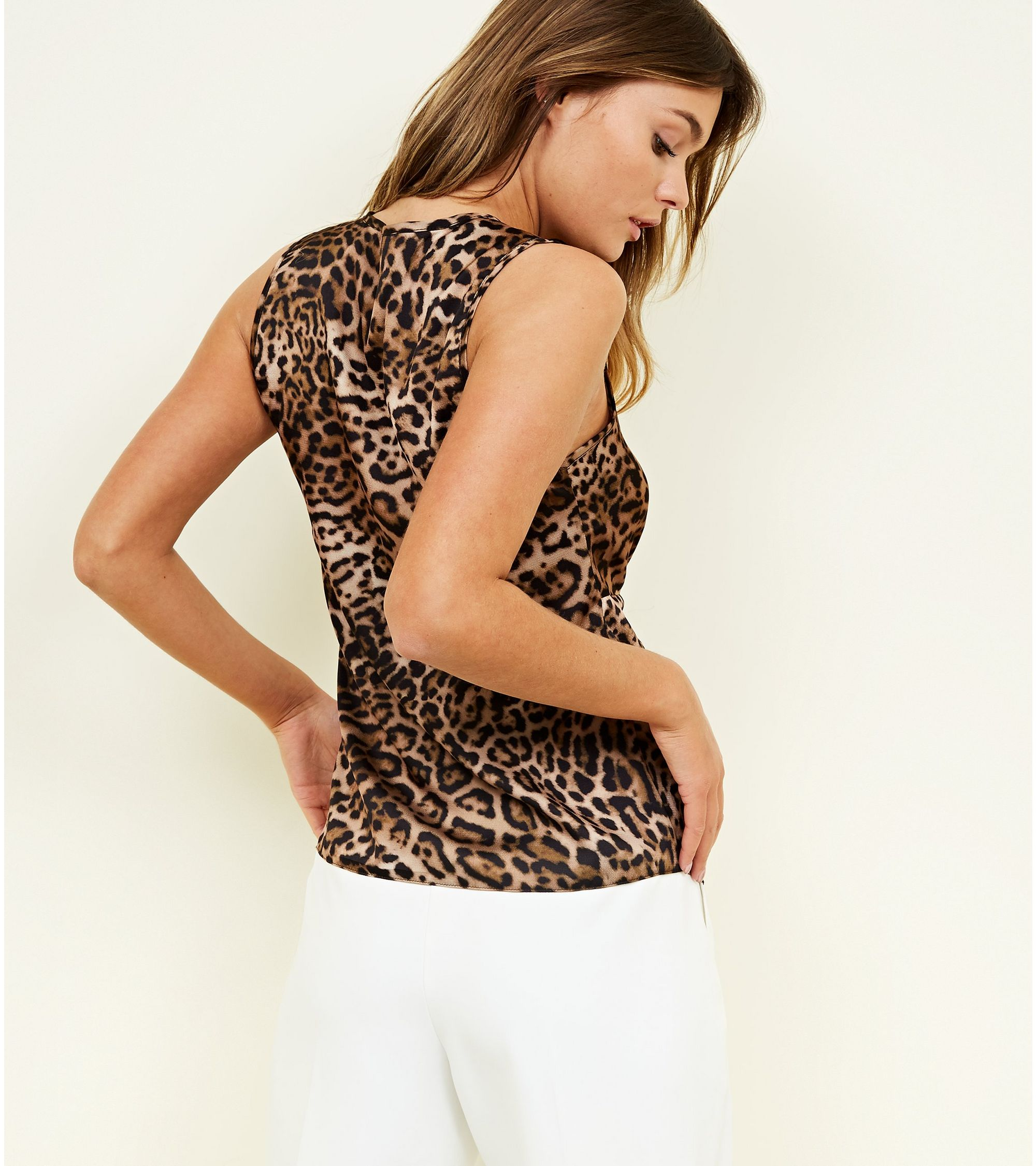 2d3bbea71a1621 New Look Brown Leopard Print Twist Front Top at £8