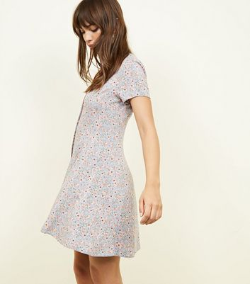 New Look - Pale Blue Ditsy Floral Button Front Tea Dress - 5
