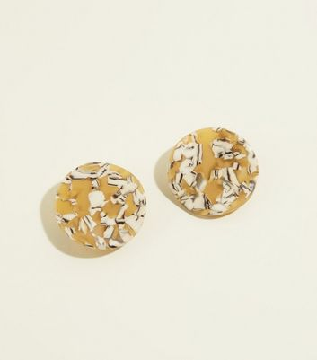Mustard Resin Irregular Round Stud Earrings by New Look
