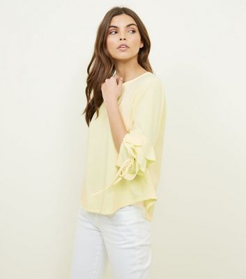 Cameo Rose Yellow Tiered Sleeve Top