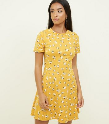 Petite Yellow Ditsy Floral Soft Touch Skater Dress