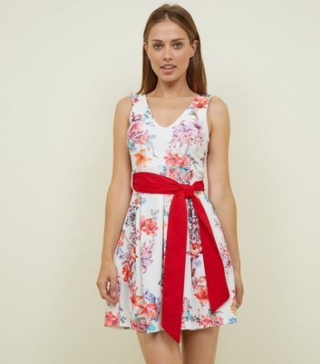 Cameo Rose White Floral Belted Dress