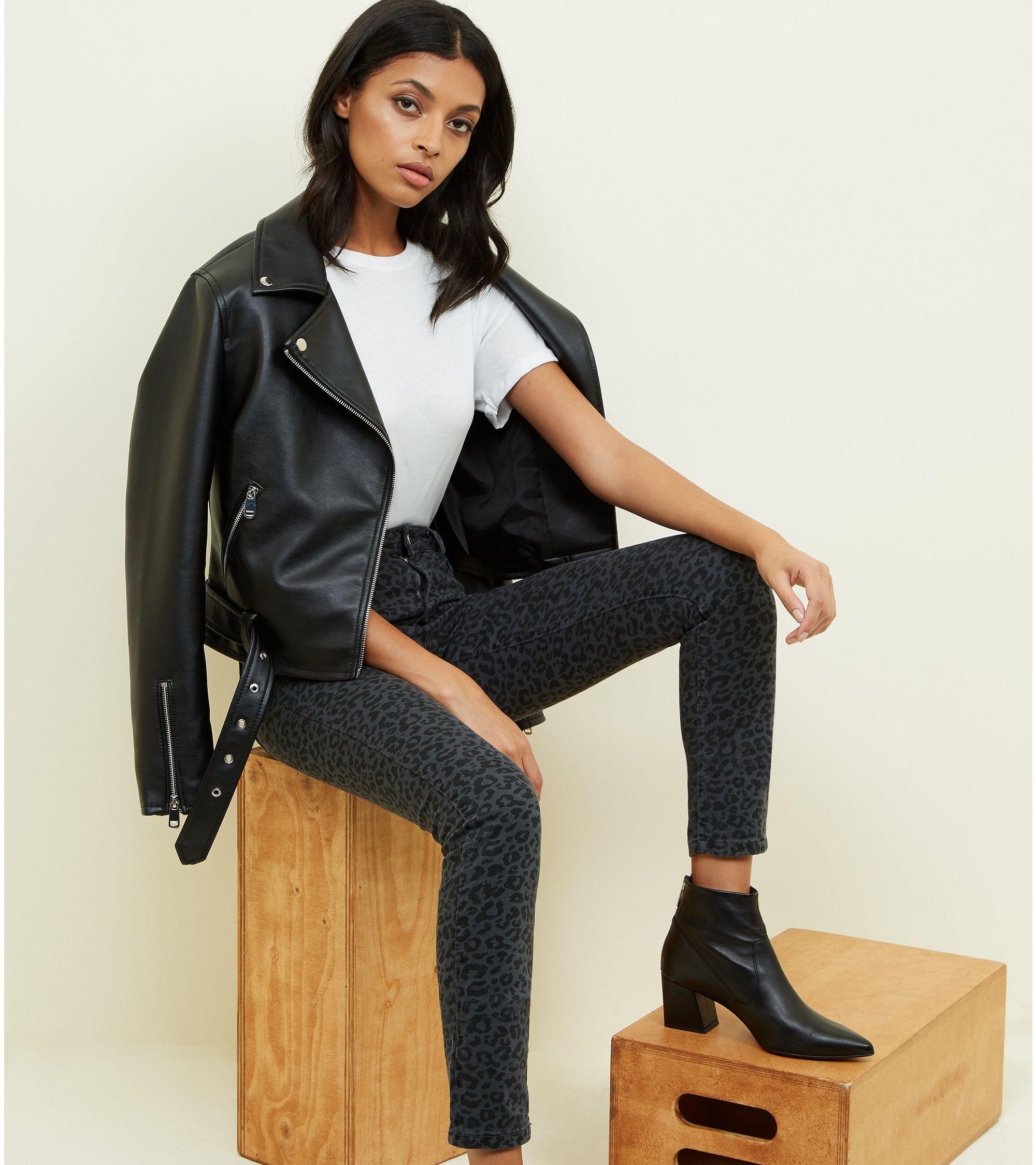 e79ec5c4ec3c8f New Look Grey Leopard Print Ankle Grazer Skinny Jenna Jeans at £14 ...