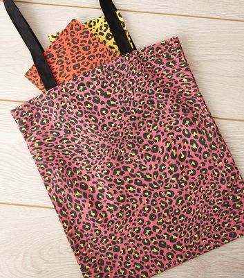 Pink Leopard Print Canvas Shoulder Bag