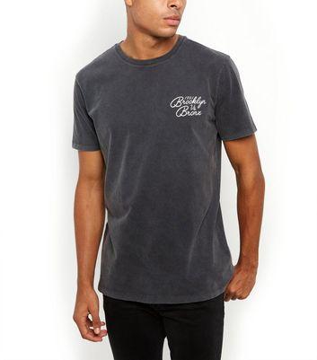 Dark Grey Wash Brooklyn Vs Bronx T Shirt Für später speichern Von gespeicherten Artikeln entfernen