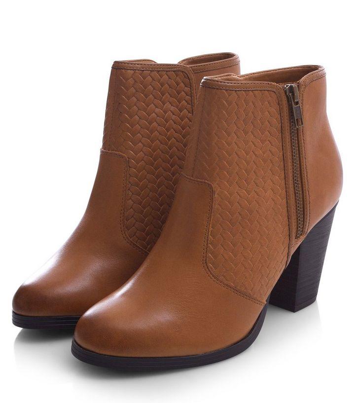 Hellbraune Stiefeletten aus Leder mit Webeinsatz und Blockabsatz   New Look bf7d8a6927
