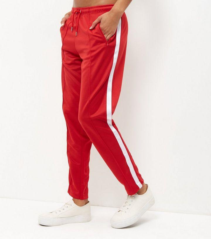 luxuriant dans la conception quantité limitée original Jogging rouge à rayures sur les côtés Ajouter à la Wishlist Supprimer de la  Wishlist