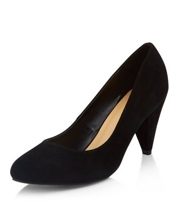 Wide Fit Black Suede Court Shoes   New Look