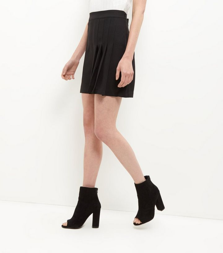 f75b93e78f Black Side Pleated Mini Skirt