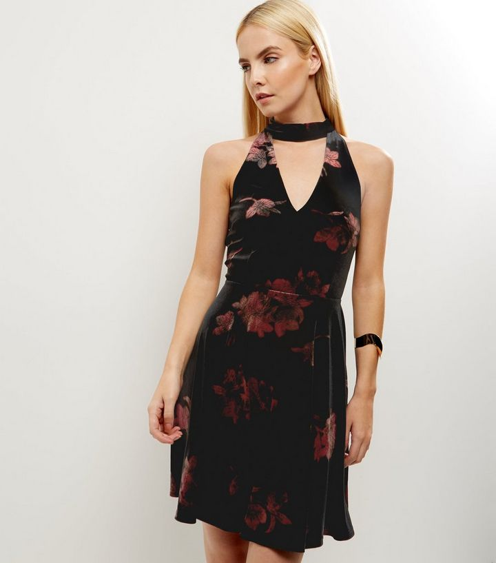 f6fa4127dd Petite Black Floral Print Choker Neck Skater Dress
