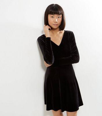 robe velours noir manches longues