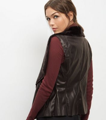 Mela Black Leather-Look Faux Fur Trim Gilet New Look