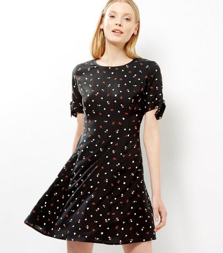 4a1695f183 Black Floral Print Short Sleeve Skater Dress