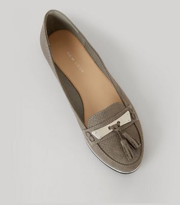 Grey Textured Metal Bar Front Tassel Detail Loafers New Look