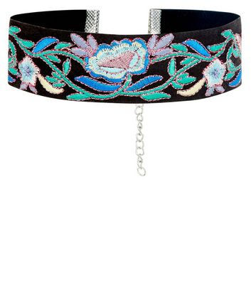 Black Wide Floral Embroidered Choker New Look