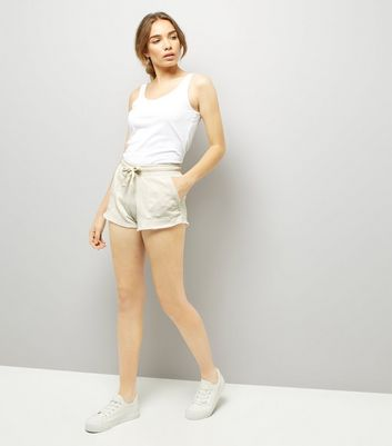 Cream Tie Waist Shorts New Look