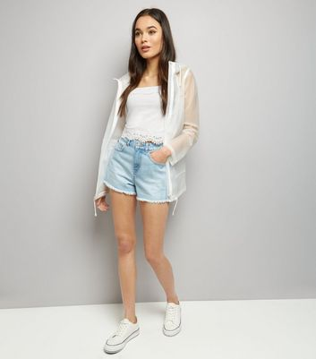 White Lace Trim Cropped Cami Top New Look