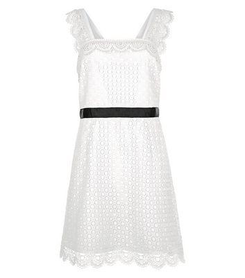 White Scallop Hem Lace Tunic Dress New Look