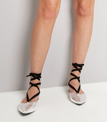 Silver Pointed Tie Up Pumps New Look