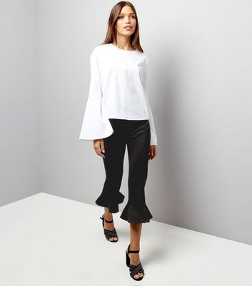 Petite Black Frill Hem Cropped Trousers New Look