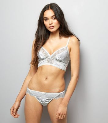 Cream Lace Trim Velvet Longline Bralet New Look