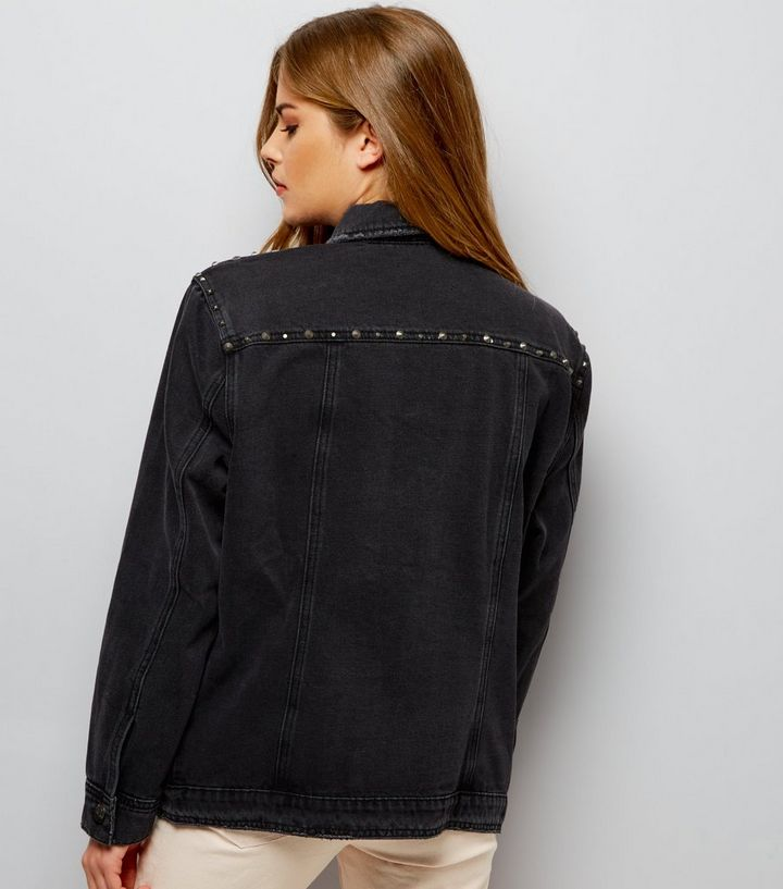 Veste en jean noire à détail clouté   New Look 81791a658d2b