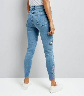 Petite Blue Bird Embroidered Skinny Jeans New Look