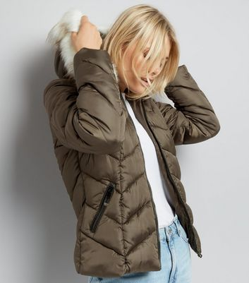 Khaki Faux Fur Trim Hooded Chevron Puffer Jacket New Look