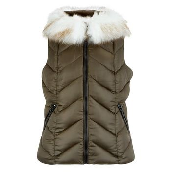 Khaki Faux Fur Trim Quilted Gilet New Look
