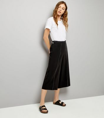 Black Metal Hoop Detail Belt Culottes