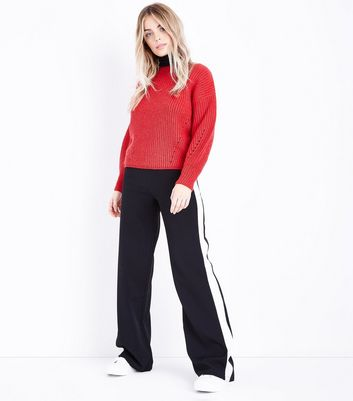 Petite Red Balloon Sleeve Jumper New Look